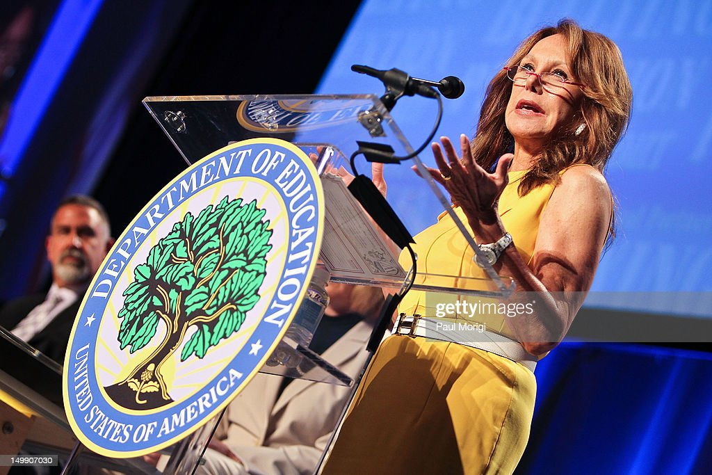 Actress <a gi-track='captionPersonalityLinkClicked' href=/galleries/search?phrase=Marlo+Thomas&family=editorial&specificpeople=209421 ng-click='$event.stopPropagation()'>Marlo Thomas</a> of the Free to Be Foundation speaks at the 2012 Federal Partners Bullying Prevention summit at the Marriott Wardman Park Hotel on August 6, 2012 in Washington, DC.