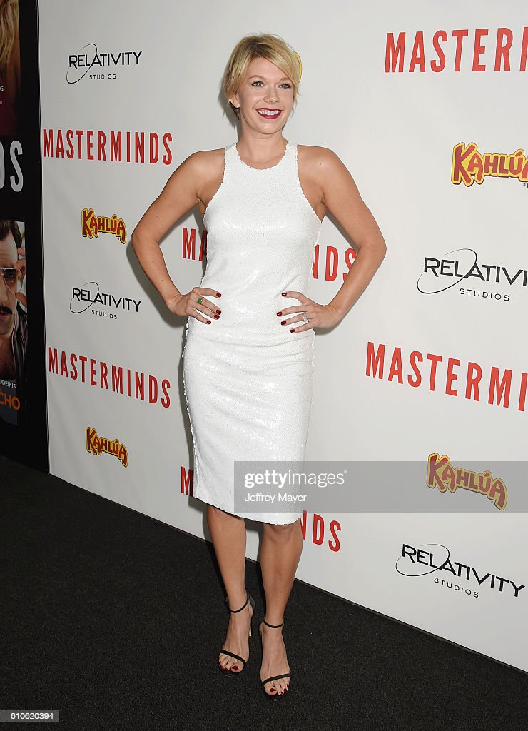Actress Mary Elizabeth Ellis attends the premiere of Relativity Media's 'Masterminds' held at TCL Chinese Theatre on September 26, 2016 in Hollywood, California.