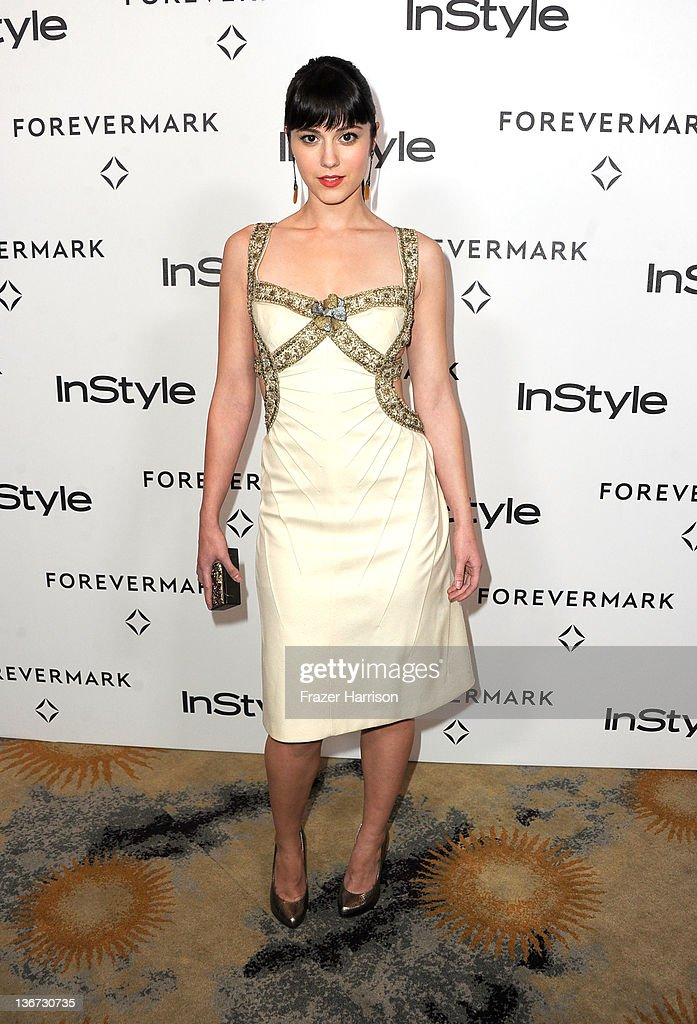 Actress <a gi-track='captionPersonalityLinkClicked' href=/galleries/search?phrase=Mary+Elizabeth+Winstead&family=editorial&specificpeople=782914 ng-click='$event.stopPropagation()'>Mary Elizabeth Winstead</a> arrives at the Forevermark And InStyle's 'A Promise Of Beauty And Brilliance' Golden Globe Awards Event at Beverly Hills Hotel on January 10, 2012 in Beverly Hills, California.