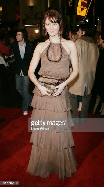 Actress Mary Elizabeth Winstead arrives at the premiere of New Line's 'Final Destination 3' at the Chinese Theater on February 1 2006 in Los Angeles...