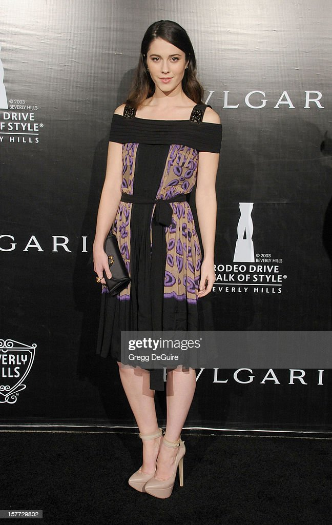 Actress Mary Elizabeth Winstead arrives at the Rodeo Drive Walk of Style honoring Bvlgari on December 5, 2012 in Beverly Hills, California.
