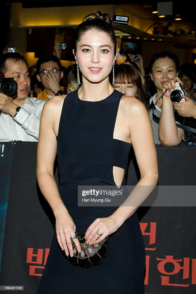 Actress <a gi-track='captionPersonalityLinkClicked' href=/galleries/search?phrase=Mary+Elizabeth+Winstead&family=editorial&specificpeople=782914 ng-click='$event.stopPropagation()'>Mary Elizabeth Winstead</a> attends the 'Abraham Lincoln: Vampire Hunter' Seoul premiere at Yeongdeungpo CGV on August 16, 2012 in Seoul, South Korea. The film will open on August 30 in South Korea.