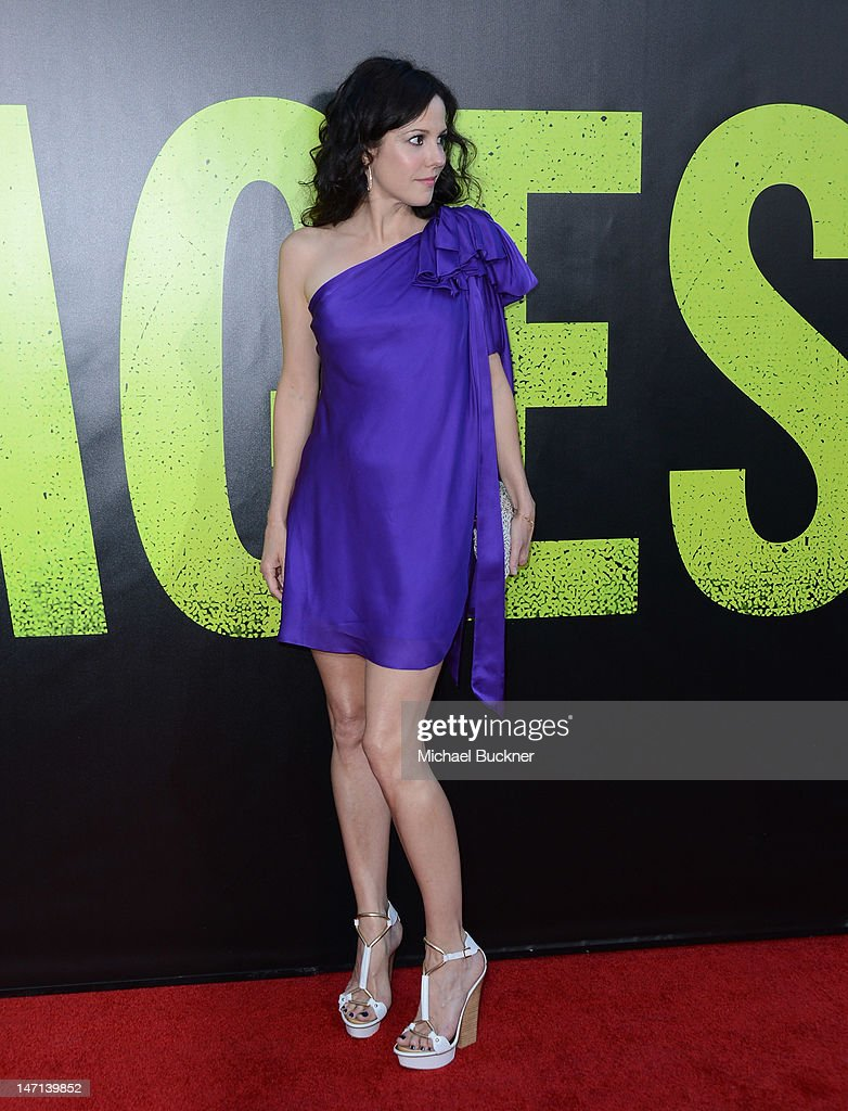 Actress Mary Louise Parker arrives at the premiere of Universal Pictures' 'Savages' at Westwood Village on June 25, 2012 in Los Angeles, California.