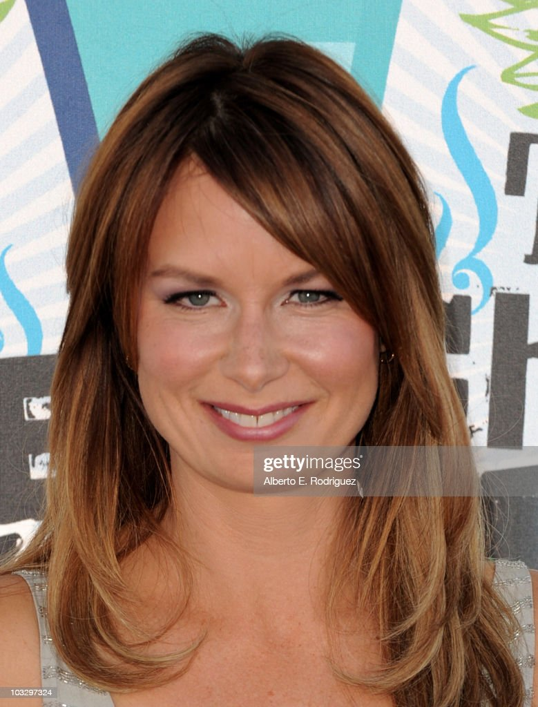 Actress Mary Lynn Rajskub arrives at the 2010 Teen Choice Awards at Gibson Amphitheatre on August 8, 2010 in Universal City, California.
