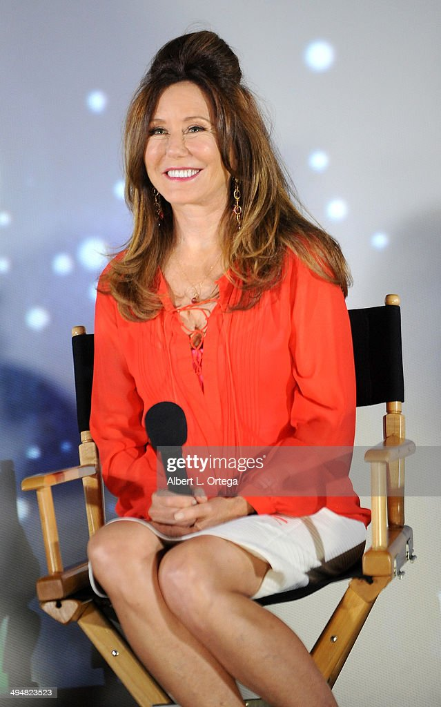 Actress <a gi-track='captionPersonalityLinkClicked' href=/galleries/search?phrase=Mary+McDonnell&family=editorial&specificpeople=1549892 ng-click='$event.stopPropagation()'>Mary McDonnell</a> participates in the 5th Annual Hero Complex Film Festival - 'Battlestar Galactica' Screening and Q&A held at the TCL Chinese Theater on May 30, 2014 in Hollywood, California.
