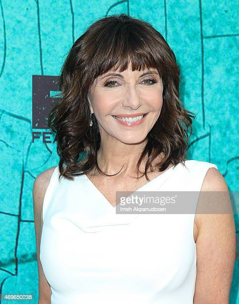 Actress Mary Steenburgen attends the premiere of FX's 'Justified' series finale at ArcLight Cinemas Cinerama Dome on April 13 2015 in Hollywood...