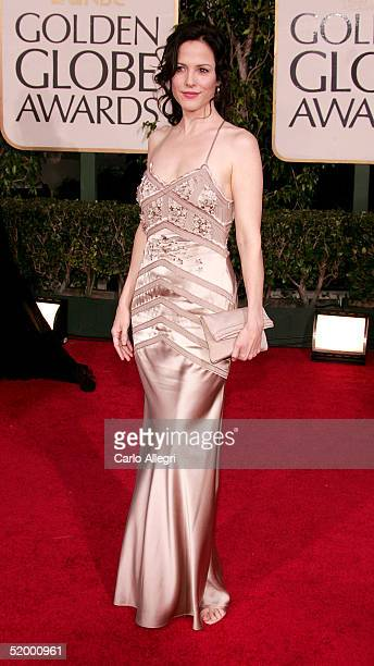 Actress MaryLouise Parker arrives to the 62nd Annual Golden Globe Awards at the Beverly Hilton Hotel January 16 2005 in Beverly Hills California