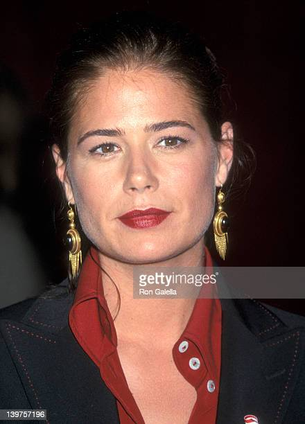 Actress Maura Tierney attends 53rd Annual Primetime Emmy Awards on November 4 2001 at the Shubert Theater in New York City