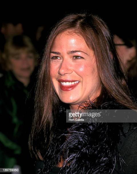 Actress Maura Tierney attends the premiere of 'Primary Colors' on March 12 1998 at the Cinerama Dome Theater in Universal City California