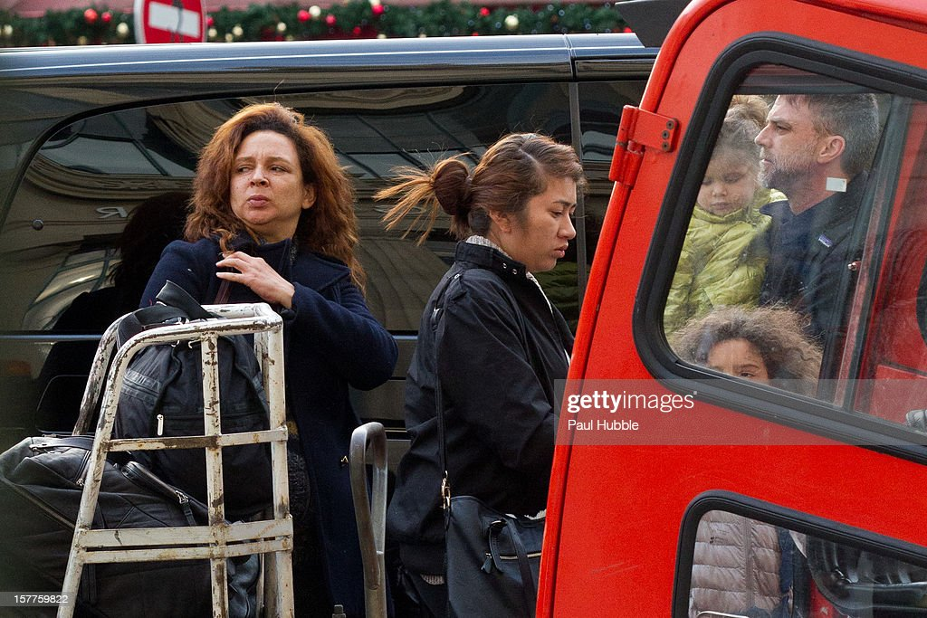 Actress Maya Rudolph (L) and director Paul Thomas Anderson (R) are sighted arriving at the 'Gare du Nord' train station on December 6, 2012 in Paris, France.