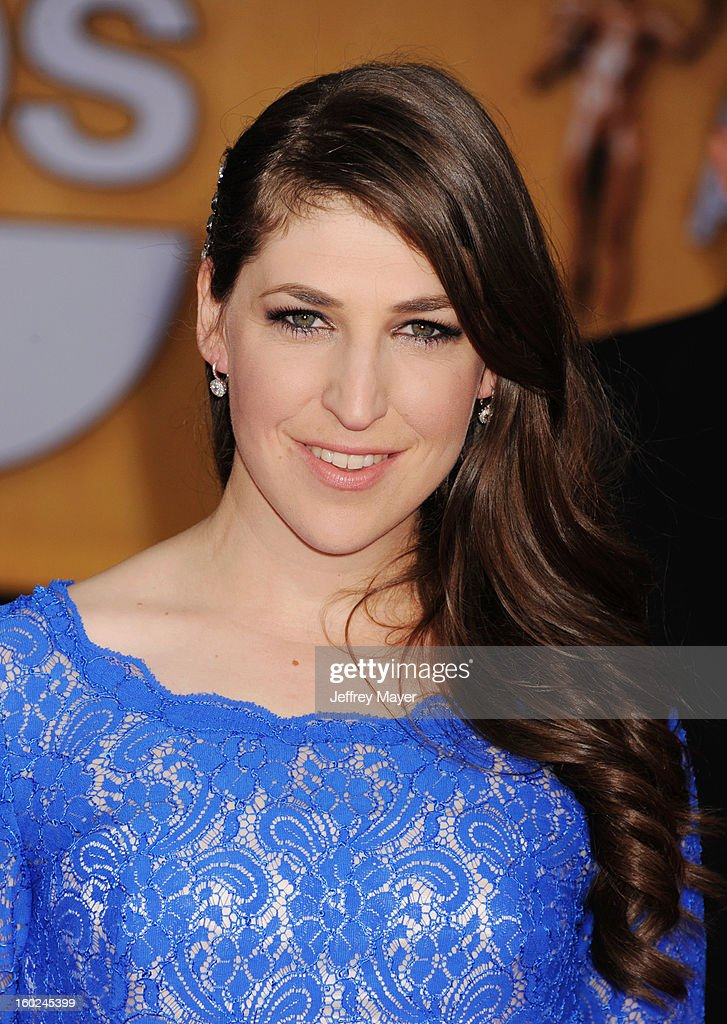 Actress Mayim Bialik arrives at the 19th Annual Screen Actors Guild Awards at The Shrine Auditorium on January 27, 2013 in Los Angeles, California.
