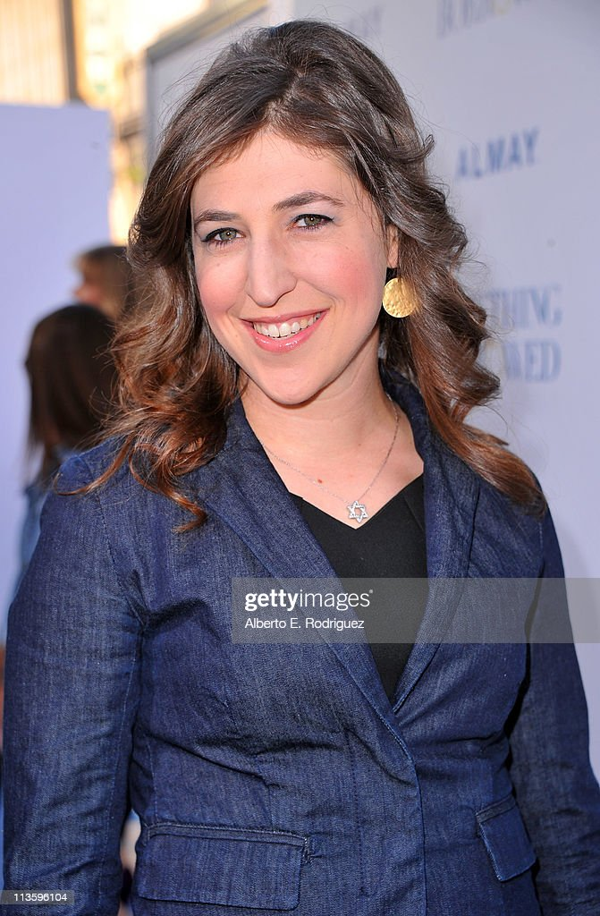 Actress <a gi-track='captionPersonalityLinkClicked' href=/galleries/search?phrase=Mayim+Bialik&family=editorial&specificpeople=1539271 ng-click='$event.stopPropagation()'>Mayim Bialik</a> arrives at the premiere of Warner Bros. 'Something Borrowed' held at Grauman's Chinese Theatre on May 3, 2011 in Hollywood, California.