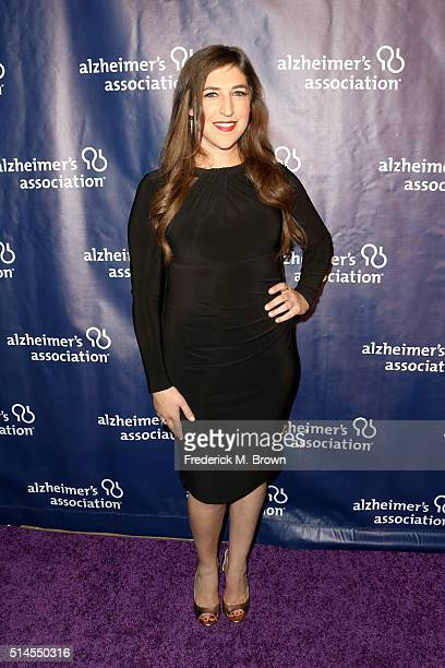 Actress Mayim Bialik attends the 24th and final 'A Night at Sardi's' to benefit the Alzheimer's Association at The Beverly Hilton Hotel on March 9...