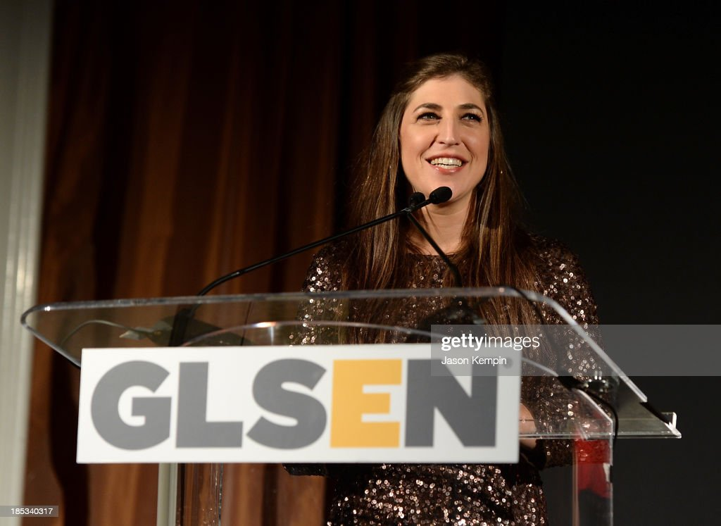 Actress <a gi-track='captionPersonalityLinkClicked' href=/galleries/search?phrase=Mayim+Bialik&family=editorial&specificpeople=1539271 ng-click='$event.stopPropagation()'>Mayim Bialik</a> attends the 9th Annual GLSEN Respect Awards at Beverly Hills Hotel on October 18, 2013 in Beverly Hills, California.