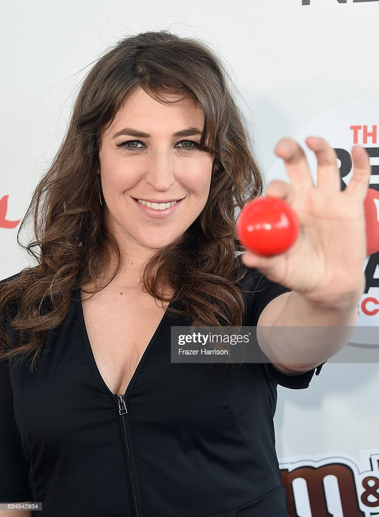 Actress <a gi-track='captionPersonalityLinkClicked' href=/galleries/search?phrase=Mayim+Bialik&family=editorial&specificpeople=1539271 ng-click='$event.stopPropagation()'>Mayim Bialik</a> attends The Red Nose Day Special on NBC at Alfred Hitchcock Theater at Universal Studios on May 26, 2016 in Universal City, California.