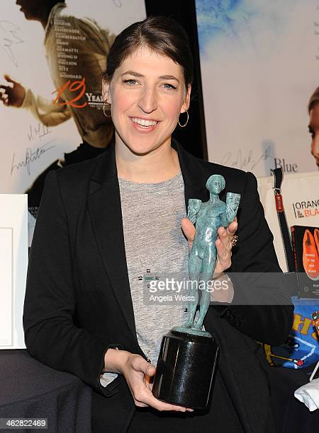 Actress Mayim Bialik attends the SAG Awards Ceremony Auction to benefit The Screen Actors Guild Foundation at The Shrine Auditorium on January 15...