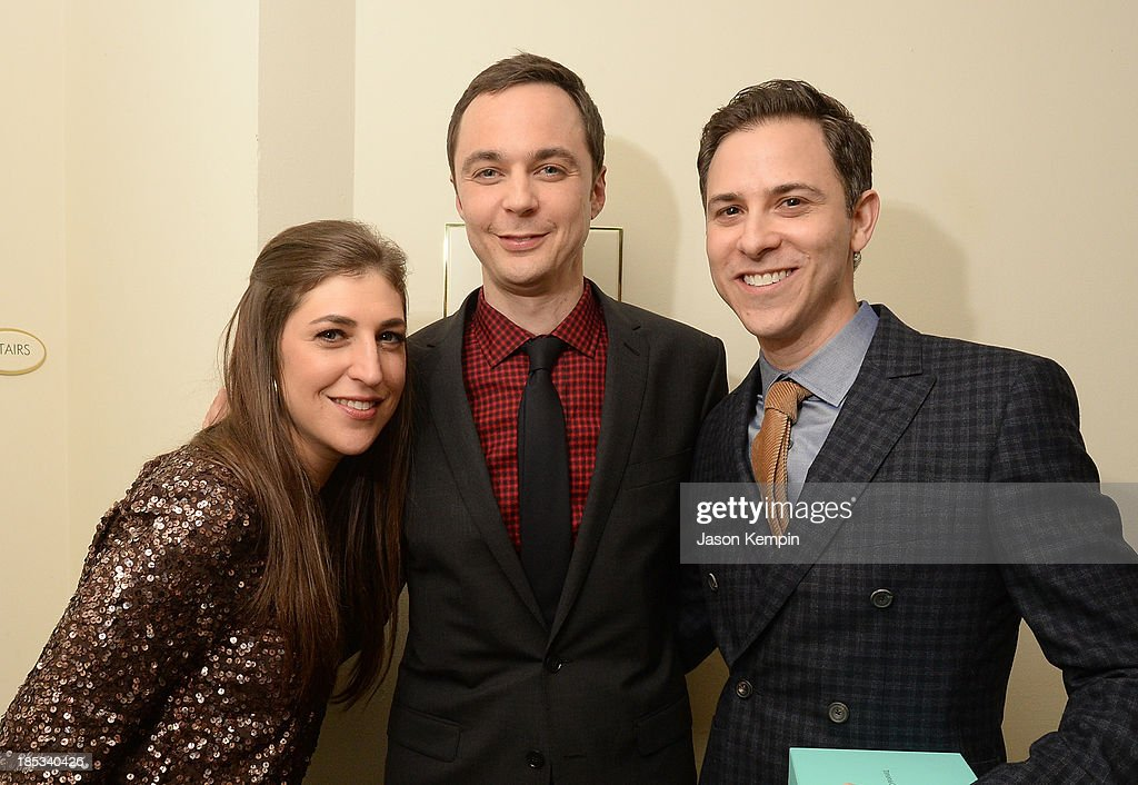 Actress <a gi-track='captionPersonalityLinkClicked' href=/galleries/search?phrase=Mayim+Bialik&family=editorial&specificpeople=1539271 ng-click='$event.stopPropagation()'>Mayim Bialik</a>, honorees <a gi-track='captionPersonalityLinkClicked' href=/galleries/search?phrase=Jim+Parsons&family=editorial&specificpeople=2480791 ng-click='$event.stopPropagation()'>Jim Parsons</a> and Todd Spiewak attend the 9th Annual GLSEN Respect Awards at Beverly Hills Hotel on October 18, 2013 in Beverly Hills, California.