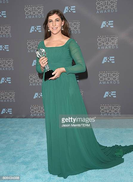 Actress Mayim Bialik winner of Best Supporting Actress for 'The Big Bang Theory' poses in the press room during the 21st Annual Critics' Choice...