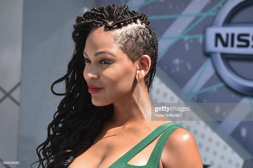 Actress <a gi-track='captionPersonalityLinkClicked' href=/galleries/search?phrase=Meagan+Good&family=editorial&specificpeople=171680 ng-click='$event.stopPropagation()'>Meagan Good</a> attends the 2016 BET Awards at the Microsoft Theater on June 26, 2016 in Los Angeles, California.