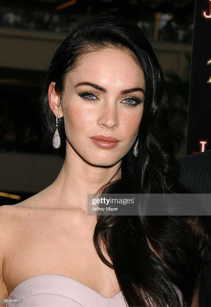 Actress Megan Fox arrives at 'Jennifer's Body' Hot Topic Fan Event at Hot Topic on September 16, 2009 in Hollywood, California.