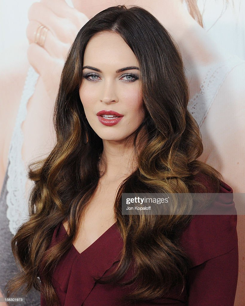 Actress <a gi-track='captionPersonalityLinkClicked' href=/galleries/search?phrase=Megan+Fox&family=editorial&specificpeople=2239934 ng-click='$event.stopPropagation()'>Megan Fox</a> arrives at the Los Angeles Premiere 'This Is 40' at Grauman's Chinese Theatre on December 12, 2012 in Hollywood, California.