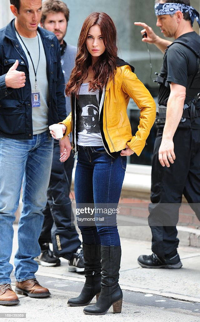 Actress <a gi-track='captionPersonalityLinkClicked' href=/galleries/search?phrase=Megan+Fox&family=editorial&specificpeople=2239934 ng-click='$event.stopPropagation()'>Megan Fox</a> is seen on the set of 'Teenage Mutant Ninja Turtles' on May 9, 2013 in New York City.