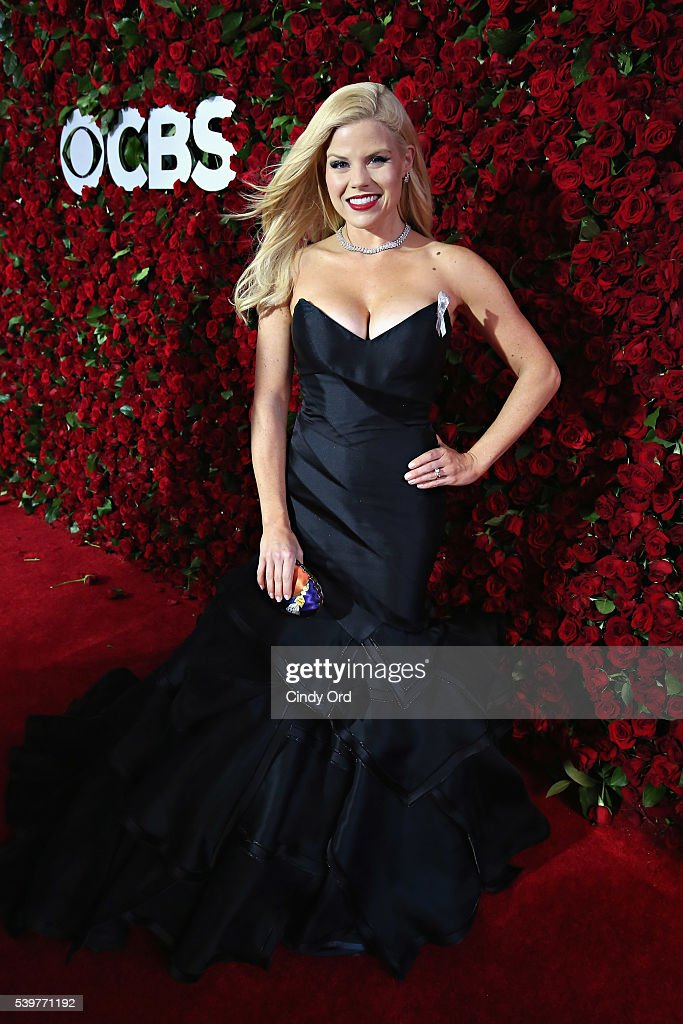 Actress Megan Hilty attends the 70th Annual Tony Awards at The Beacon Theatre on June 12, 2016 in New York City.