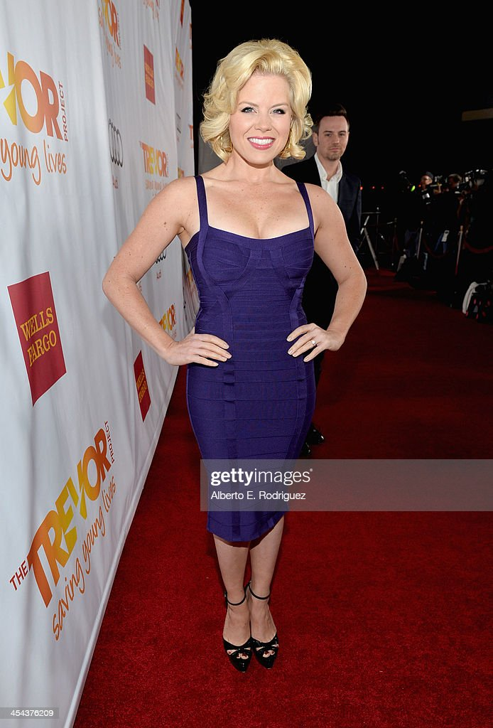 Actress <a gi-track='captionPersonalityLinkClicked' href=/galleries/search?phrase=Megan+Hilty&family=editorial&specificpeople=602492 ng-click='$event.stopPropagation()'>Megan Hilty</a> attends 'TrevorLIVE LA' honoring Jane Lynch and Toyota for the Trevor Project at Hollywood Palladium on December 8, 2013 in Hollywood, California.