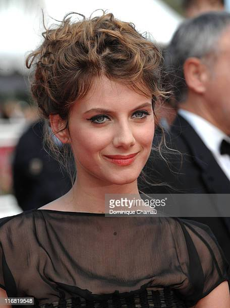 Actress Melanie Laurent attends the 'Che' premiere at the Palais des Festivals during the 61st International Cannes Film Festival on May 21 2008 in...