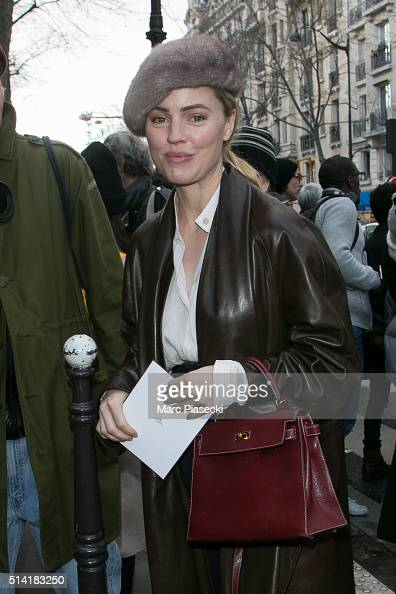 Actress Melissa George arrives to attend the 'Hermes' fashion show on March 7 2016 in Paris France