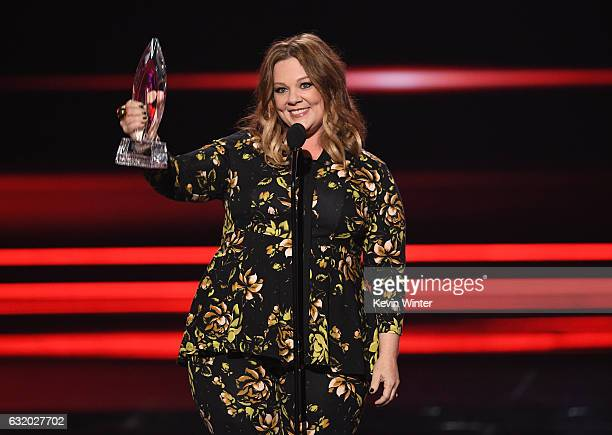 Actress Melissa McCarthy accepts Favorite Comedic Movie Actress onstage during the People's Choice Awards 2017 at Microsoft Theater on January 18...