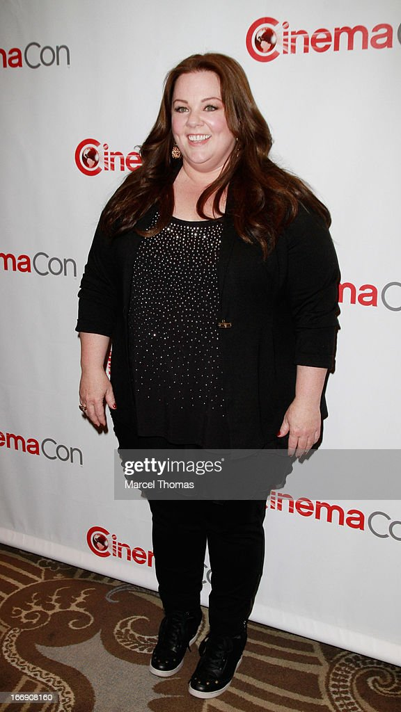 Actress <a gi-track='captionPersonalityLinkClicked' href=/galleries/search?phrase=Melissa+McCarthy&family=editorial&specificpeople=880291 ng-click='$event.stopPropagation()'>Melissa McCarthy</a> arrives at the 20th Century Fox Cinemacon Press Conference at Caesars Palace during CinemaCon 2013 on April 18, 2013 in Las Vegas, Nevada.
