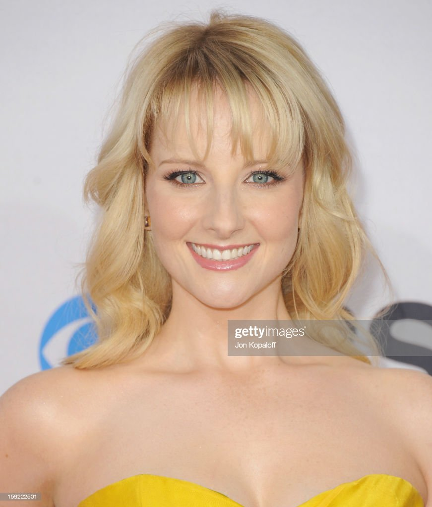 Actress Melissa Rauch arrives at the 2013 People's Choice Awards at Nokia Theatre L.A. Live on January 9, 2013 in Los Angeles, California.