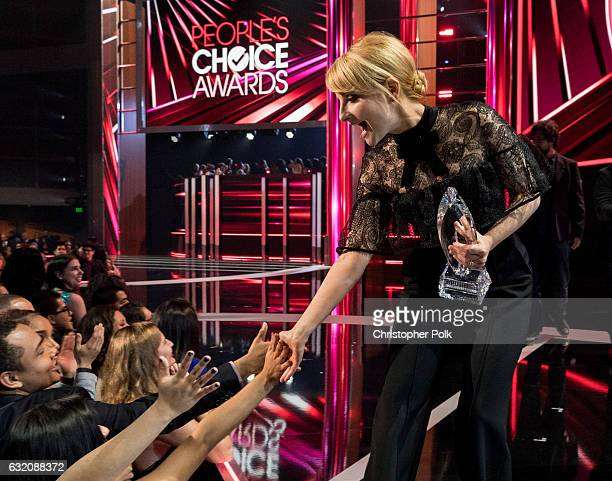 Actress Melissa Rauch corecipient of the Favorite TV Show and Favorite Network TV Comedy awards for 'The Big Bang Theory onstage at the People's...