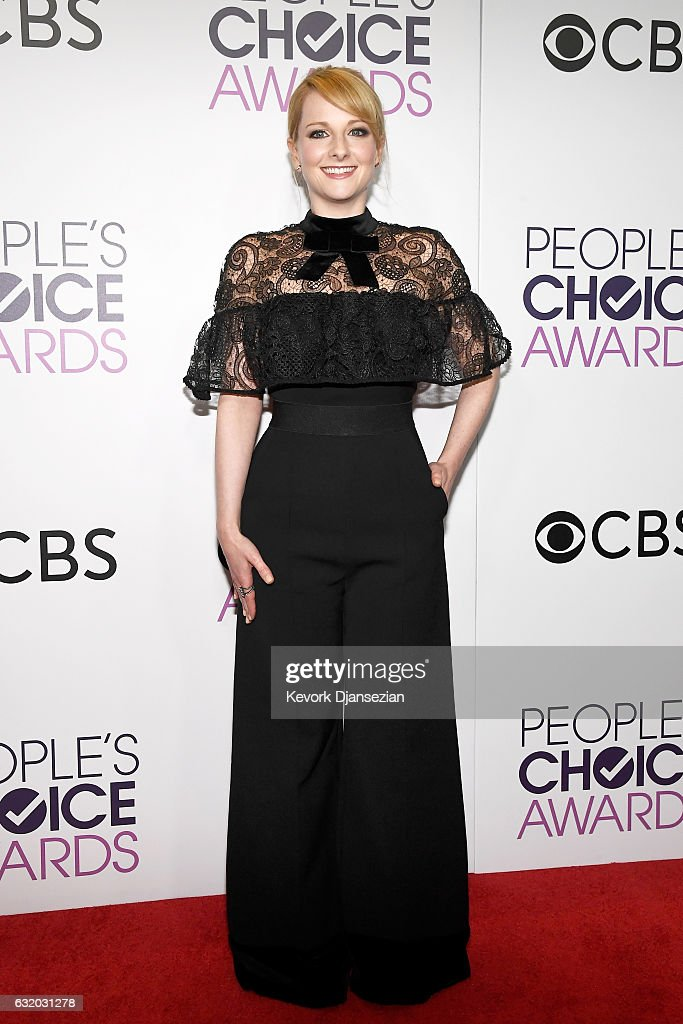 Actress Melissa Rauch poses in the press room during the People's Choice Awards 2017 at Microsoft Theater on January 18, 2017 in Los Angeles, California.