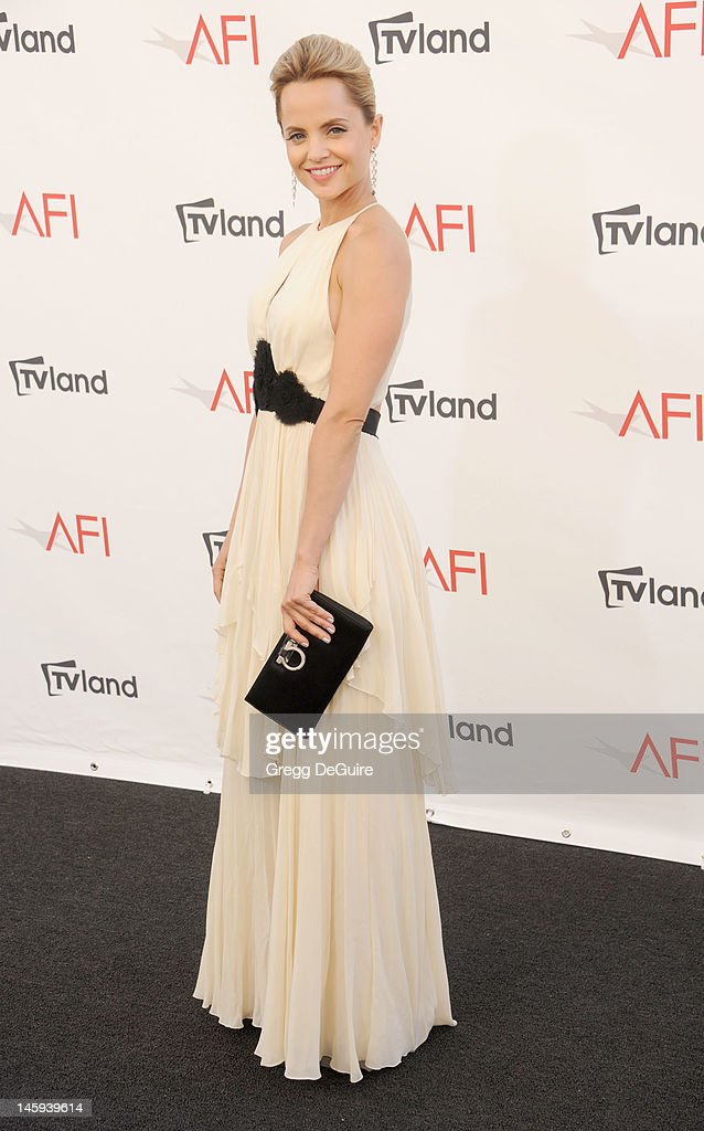 Actress Mena Suvari arrives at the 40th AFI Life Achievement Award honoring Shirley MacLaine at Sony Studios on June 7, 2012 in Los Angeles, California.