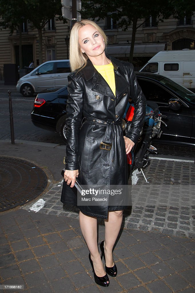 Actress <a gi-track='captionPersonalityLinkClicked' href=/galleries/search?phrase=Mena+Suvari&family=editorial&specificpeople=156413 ng-click='$event.stopPropagation()'>Mena Suvari</a> arrives to attend the Versace show as part of Paris Fashion Week Haute-Couture Fall/Winter 2013-2014 on June 30, 2013 in Paris, France.