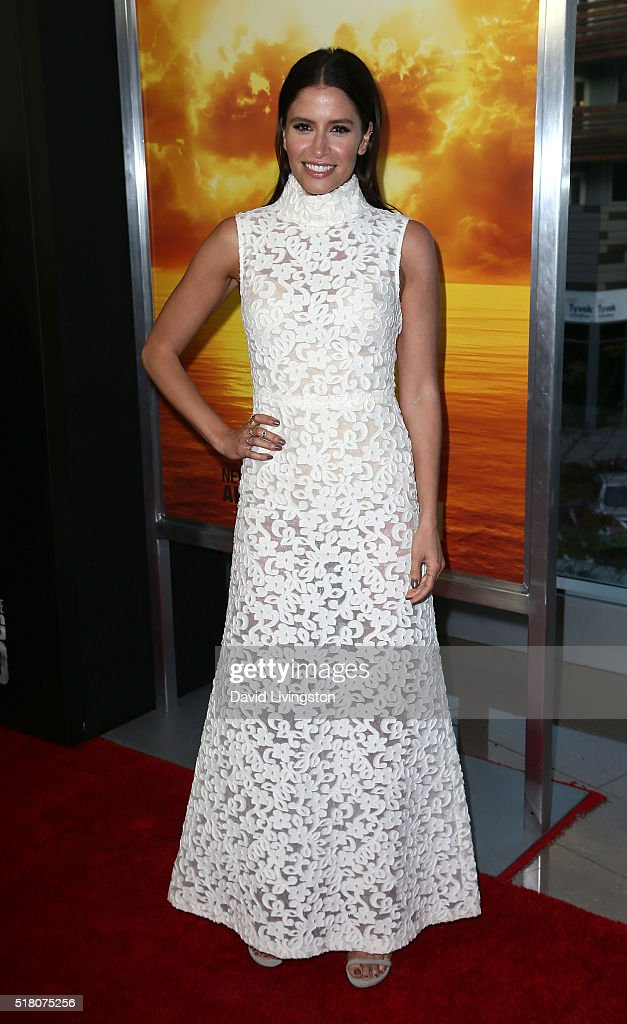 Actress Mercedes Masohn attends the premiere of AMC's 'Fear the Walking Dead' Season 2 at Cinemark Playa Vista on March 29 2016 in Los Angeles...