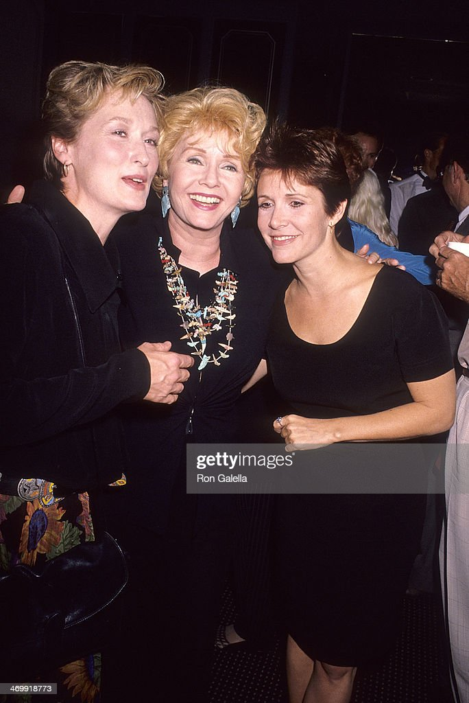 Actress Meryl Streep actress Debbie Reynolds and actress Carrie Fisher attend the 'Postcards from the Edge' Century City Premiere on September 10...