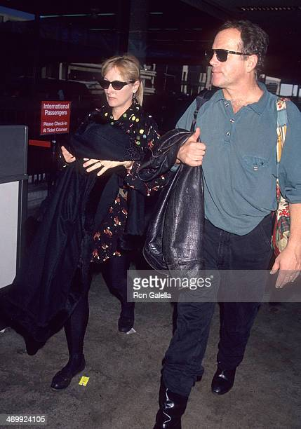Actress Meryl Streep and husband Donald Gummer arrive from New York City on January 4 1993 at the Los Angeles International Airport in Los Angeles...