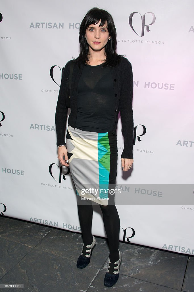 Actress <a gi-track='captionPersonalityLinkClicked' href=/galleries/search?phrase=Michele+Hicks&family=editorial&specificpeople=707706 ng-click='$event.stopPropagation()'>Michele Hicks</a> attends Charlotte Ronson And Artisan House Handbag Launch Event at Toy Restaurant on December 6, 2012 in New York City.