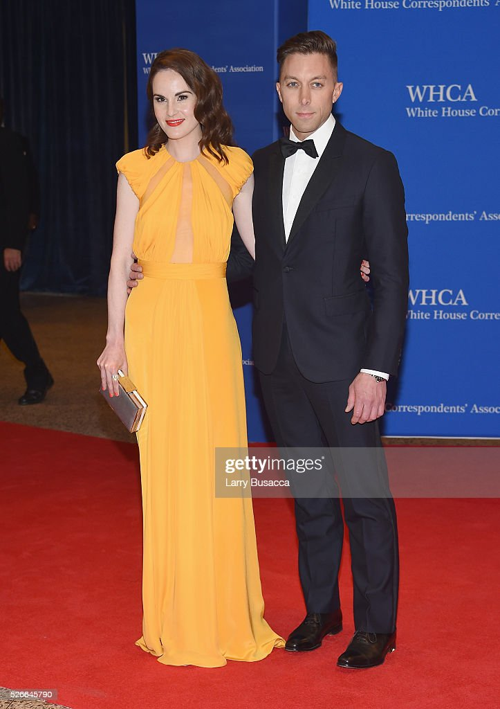 Actress Michelle Dockery (L) and guest attend the 102nd White House Correspondents' Association Dinner on April 30, 2016 in Washington, DC.