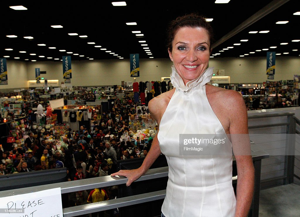 Actress <a gi-track='captionPersonalityLinkClicked' href=/galleries/search?phrase=Michelle+Fairley&family=editorial&specificpeople=5745645 ng-click='$event.stopPropagation()'>Michelle Fairley</a> attends HBO's 'Game Of Thrones' cast autograph signing at San Diego Convention Center on July 19, 2013 in San Diego, California.