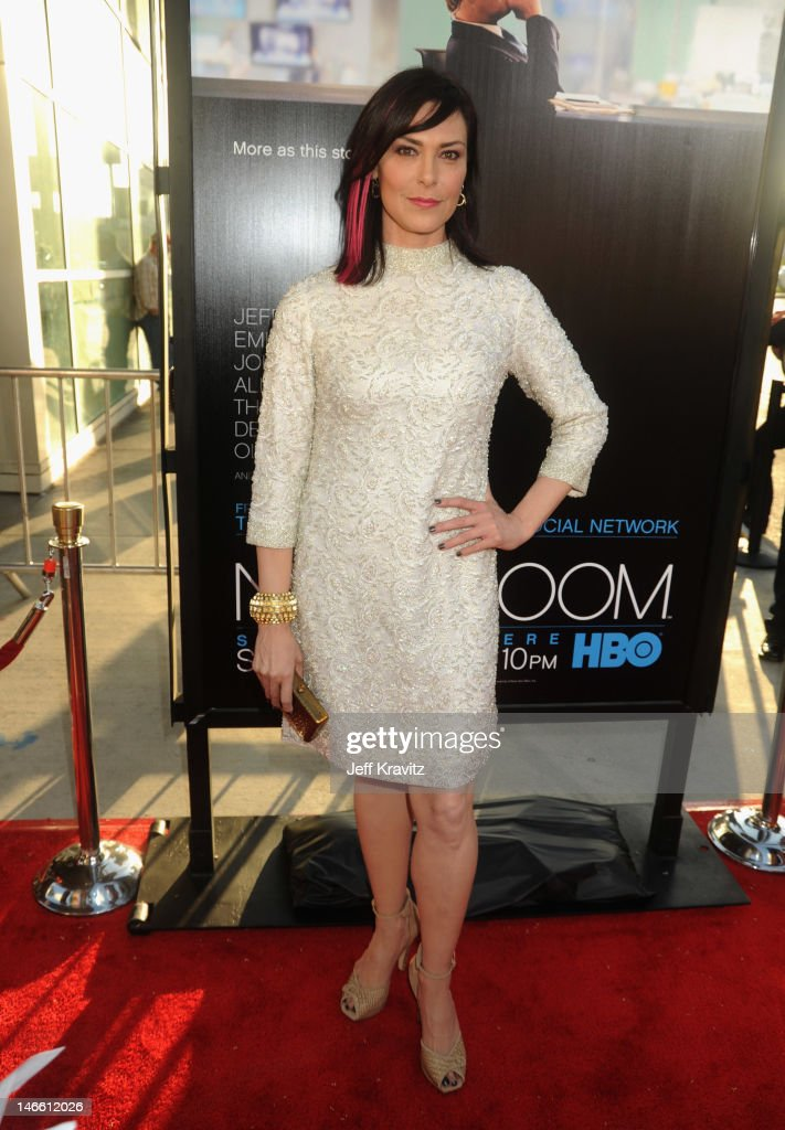 Actress Michelle Forbes arrives at HBO's New Series 'Newsroom' Los Angeles Premiere at ArcLight Cinemas Cinerama Dome on June 20, 2012 in Hollywood, California.