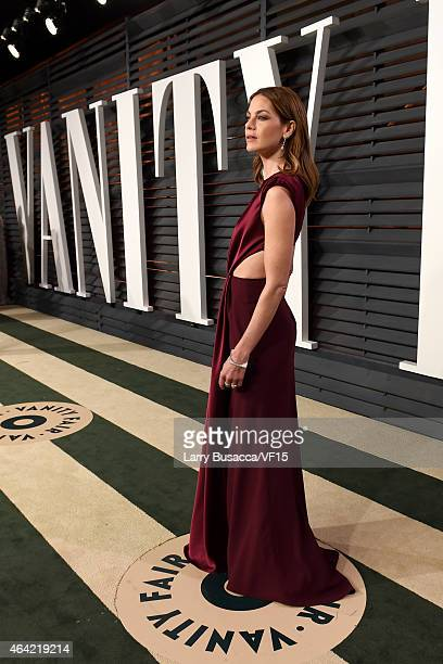 Actress Michelle Monaghan attends the 2015 Vanity Fair Oscar Party hosted by Graydon Carter at the Wallis Annenberg Center for the Performing Arts on...
