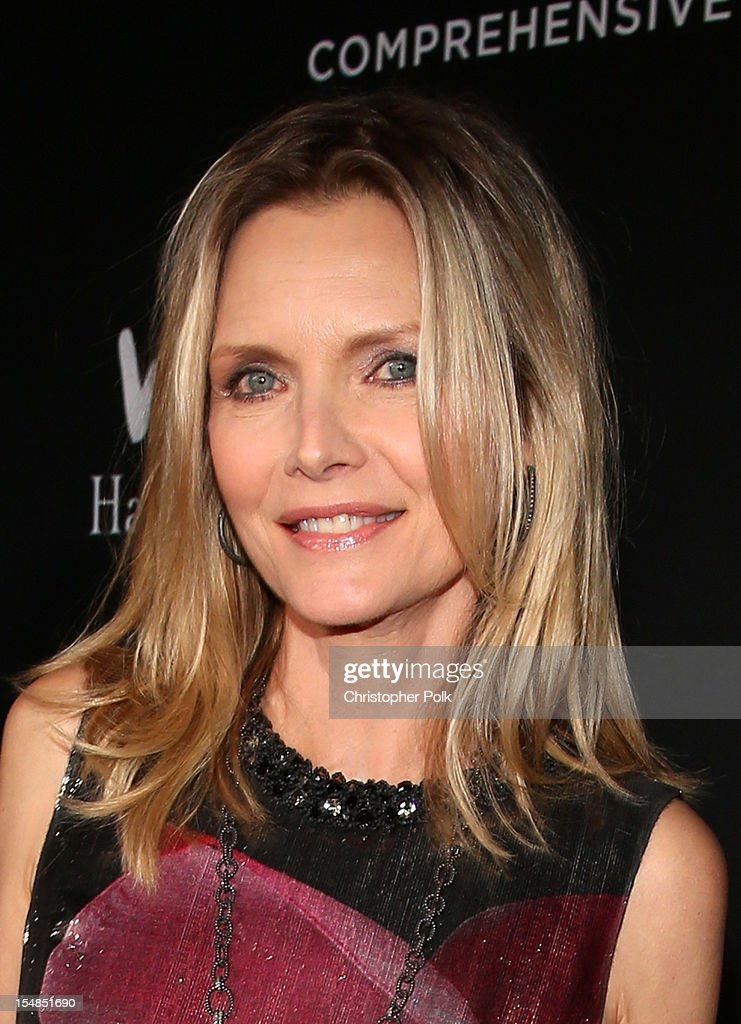 Actress <a gi-track='captionPersonalityLinkClicked' href=/galleries/search?phrase=Michelle+Pfeiffer&family=editorial&specificpeople=212951 ng-click='$event.stopPropagation()'>Michelle Pfeiffer</a> arrives at Elyse Walker presents the 8th annual Pink Party hosted by <a gi-track='captionPersonalityLinkClicked' href=/galleries/search?phrase=Michelle+Pfeiffer&family=editorial&specificpeople=212951 ng-click='$event.stopPropagation()'>Michelle Pfeiffer</a> to benefit Cedars-Sinai Women's Cancer Program held at