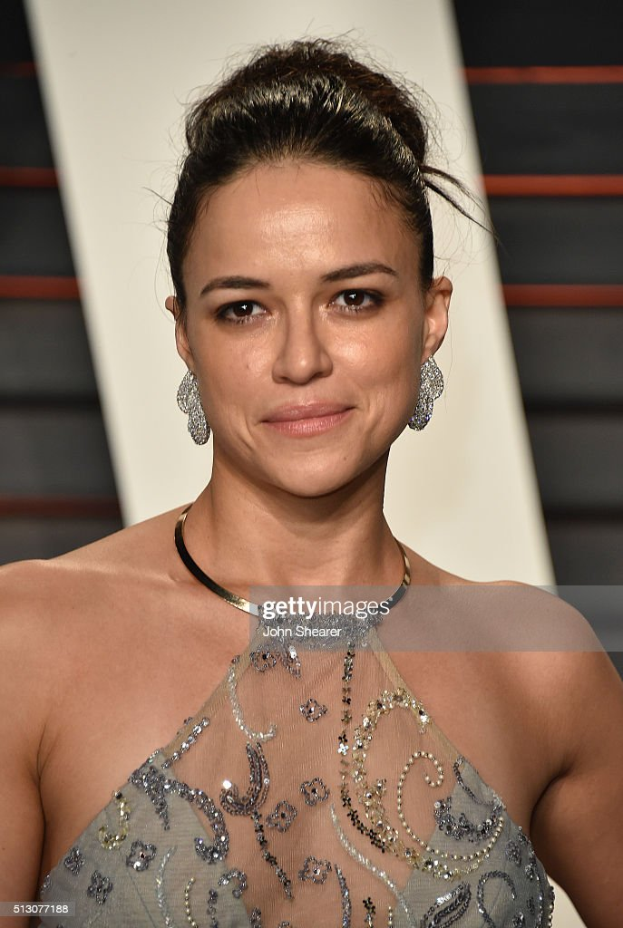 Actress <a gi-track='captionPersonalityLinkClicked' href=/galleries/search?phrase=Michelle+Rodriguez&family=editorial&specificpeople=206182 ng-click='$event.stopPropagation()'>Michelle Rodriguez</a> arrives at the 2016 Vanity Fair Oscar Party Hosted By Graydon Carter at Wallis Annenberg Center for the Performing Arts on February 28, 2016 in Beverly Hills, California.