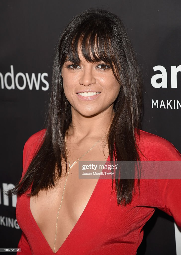 Actress <a gi-track='captionPersonalityLinkClicked' href=/galleries/search?phrase=Michelle+Rodriguez&family=editorial&specificpeople=206182 ng-click='$event.stopPropagation()'>Michelle Rodriguez</a> attends amfAR LA Inspiration Gala honoring Tom Ford at Milk Studios on October 29, 2014 in Hollywood, California.