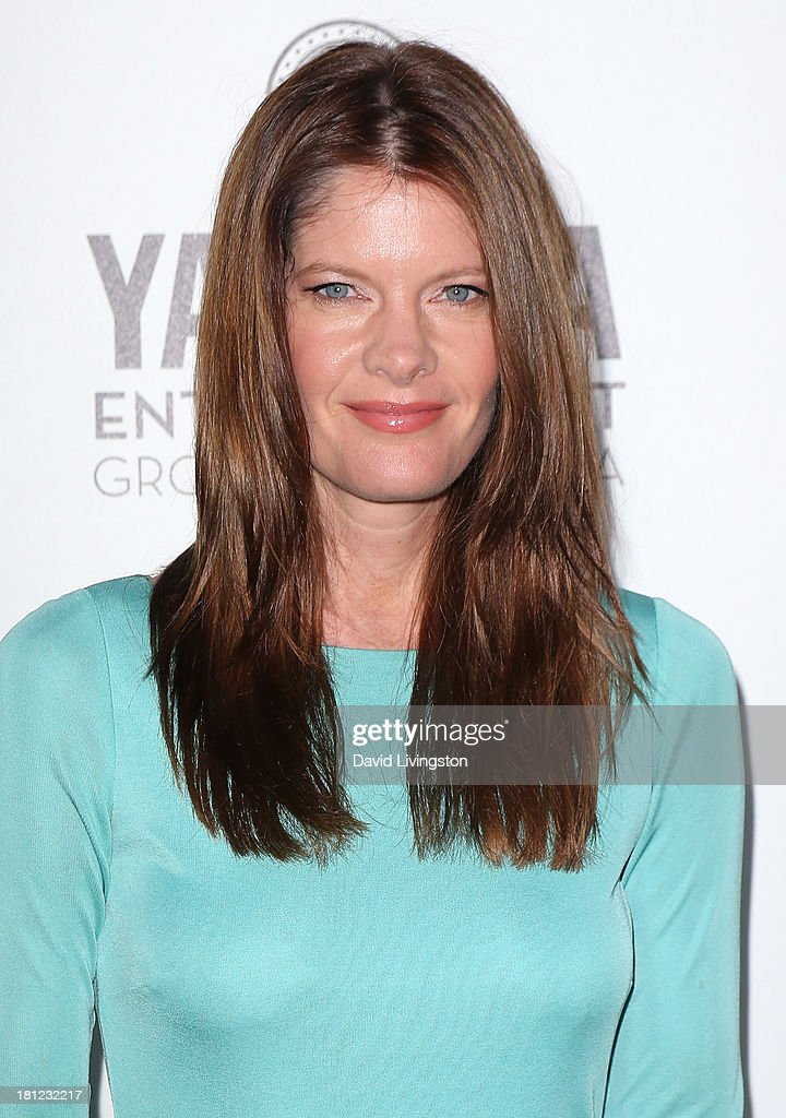 Actress <a gi-track='captionPersonalityLinkClicked' href=/galleries/search?phrase=Michelle+Stafford&family=editorial&specificpeople=171699 ng-click='$event.stopPropagation()'>Michelle Stafford</a> attends Heifer International's 'Beyond Hunger: A Place at the Table' gala at Montage Beverly Hills on September 19, 2013 in Beverly Hills, California.