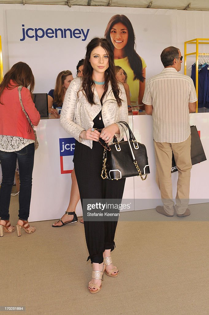 Actress Michelle Trachtenberg attends the 1st Annual Children Mending Hearts Style Sunday on June 9, 2013 in Beverly Hills, California.